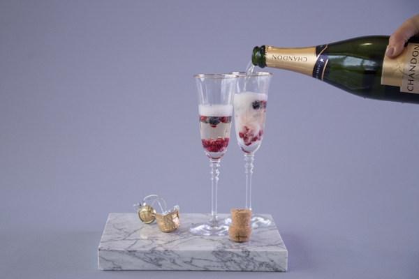 Brut with berries