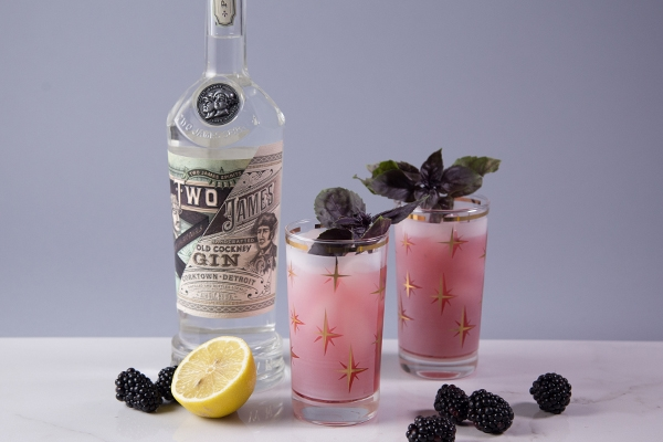 Pomberry Gin Smash